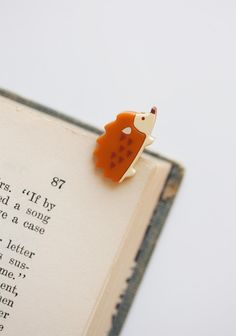Hodge Podge Paper Clips from Ruche. Saved to Bookworm. Shop more products from Ruche on Wanelo. Hedgehog Craft, Cute Hedgehog, Hedgehog Accessories, Tea Sets Vintage, Animal Jewelry, Paper Clip, Birthday Cards, Gadgets, Stationery