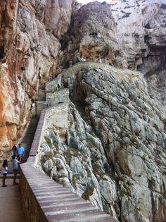 Grotte di Nettuno Alghero Sardegna Travel List, Italy Travel, Alghero, Visit Italy, Slovenia, Sicily, Land Scape, Road Trip, Places To Visit