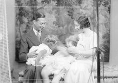the first waltz: a historical photoblog — The Duke and Duchess of York with their daughters,...