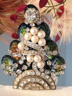 Vintage Rhinestone Christmas Tree Pin : Watermelon Rivoli Vitrail LaHeir