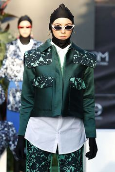 Desfile de JCPajares: propuestas urbanas con inspiración oriental. #fashion #moda #mbfwmadrid #fashionweek #desfile