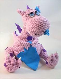 En este vídeo os traigo el patrón de este precioso dragón bebé amigurumi, es de nivel intermedio, muy bien explicado paso a paso,...
