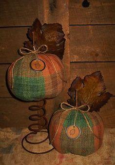PrimiTive Fall RusTic Autumn CounTry Home AcOrn Leaf TaG PumpKins Nodder Sitter (: