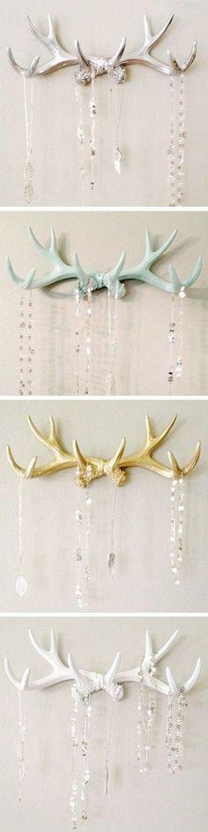 Antler jewelry hanger wall hooks: Melissa-for your jewels! Jewelry Hanger, Diy Jewelry, Jewelry Box, Jewellery Stand, Jewelry Wall, Jewellery Display, Jewelry Necklaces, Antler Jewelry, Antler Necklace