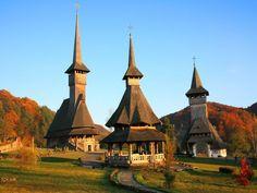 Barsana Wooden Monasteries, Maramures, Romania Discover Amazing Romania through 44 Spectacular Photos Wonderful Places, Beautiful Places, Beautiful Pictures, Bulgaria, Places Around The World, Around The Worlds, Bósnia E Herzegovina, Visit Romania, Romania Travel