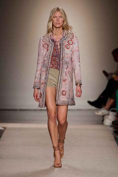Paris Fashion Week Reviews - Best Runway Looks
