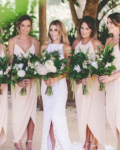 Bom dia amores! No vídeo de ontem montei alguns looks completo para madrinhas de casamento convidadas e até mesmo para noivado e chás! Corre lá pra ver! Link no perfil!