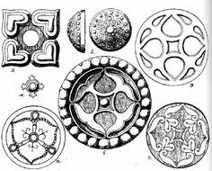 Rózsák istenfával magyar sírokból Hungarian Embroidery, Asatru, Ancient Symbols, Chain Stitch, Leather Design, Wood Carving, Hungary, Archaeology, Embroidery Patterns
