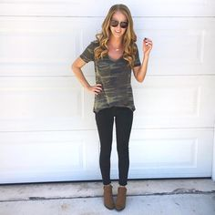 A top that demands your attention, the Z Supply Camo Pocket Tee takes a classic style to a whole new class. With short sleeves, a deep V-neck line and slouchy pocket and a lightly washed finish; this total package top is a look Camo Tee Shirts, Jeans And T Shirt Outfit, White Jeans Outfit, Striped Shirts, Denim Pants, Casual Outfits For Moms, Casual Skirt Outfits, School Outfits, Camo Outfits