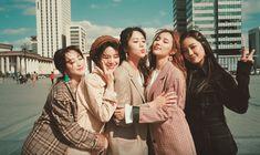 "ELRIS faz seu comeback com o cativante MV ""Miss U"" Kpop Girl Groups, Korean Girl Groups, Kpop Girls, Best Friend Photos, Two Best Friends, Friendship Captions, Hunus Entertainment, Korean Photo, Vlog"