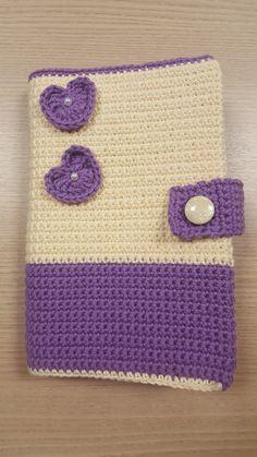 Capa para livro em confeccionada em crochê. Nos envie suas medidas para que possamos fazer uma sob medida para você.