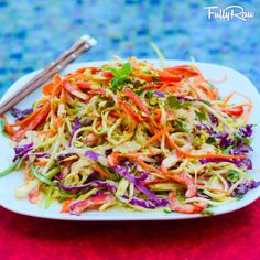 Veggie Pad Thai // salt-free, oil free, fresh ingredients #healthy #takeout #raw