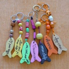 zips and things Diy Craft Projects, Diy And Crafts, Crafts For Kids, Arts And Crafts, Cute Keychain, Camping Crafts, Mothers Day Crafts, Diy Clay, Blog