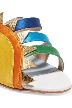 This rainbow is made of leather and inspired by Leandra.