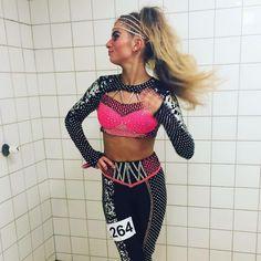 Top seje, dygtige og ultra smukke @_frejapopp i min seneste opsyning. Super lækker dragt i lycra og paillet - toppen er syet i dobbelt stof for bedre pasform. Freja og hendes mor har selv påsat rhinstene.  #bylouisehavlykkedesign #disko #dance #star #lycr