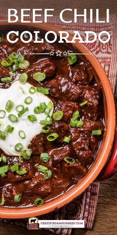 An easy recipe for hearty beef chili without beans. The combination of ancho, guajillo, and New Mexico chilies give intense flavor to rich and hearty Slow Cooker Beef Chili Colorado. Best Beef Recipes, Roast Recipes, Mexican Food Recipes, Cooking Recipes, Chilli Recipes, Chili Colorado Recipe Crock Pot, Beef Chili Recipe, Beef Dishes, Food Dishes