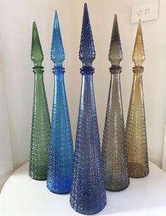 Antique Bottles, Antique Glass, Bottle Vase, Perfume Bottle, Vintage Ideas, Vintage Decor, Genie Bottle, Design Homes, Beautiful Perfume