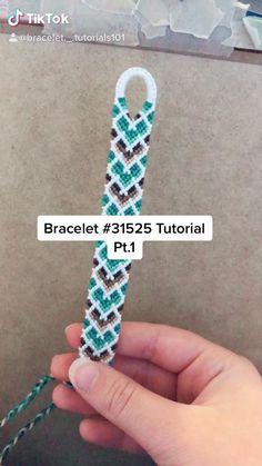String Bracelet Patterns, Diy Bracelets Patterns, Yarn Bracelets, Diy Bracelets Easy, Bracelet Crafts, Bracelet Designs, Handmade Bracelets, Diy Friendship Bracelets Tutorial, Diy Friendship Bracelets Patterns