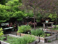 Deirdre-Heekin-edible-garden-gardenista-considered-design-awards