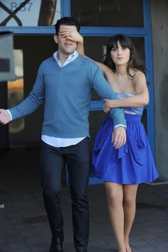 """Jess' (Zooey Deschanel) blue dress from the """"The Story Of The 50"""" episode of NEW GIRL on FOX."""