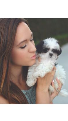 Alisha with her puppy Chloe. Subscribe to her youtube: macbby11