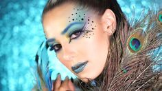 maquillage Halloween femme - visage d'inspiration paon