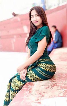 Best 11 Magbridal Brilliant Tulle Sweetheart Neckline Sheath/Column Prom Dresses With Beadings – SkillOfKing. Arab Girls Hijab, Girl Hijab, Myanmar Traditional Dress, Traditional Dresses, Sexy Asian Girls, Sexy Hot Girls, Bali Girls, Burmese Girls, Myanmar Women
