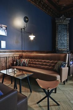 Bier Bier Bar in Helsinki - Nordic Design Pub Design, Pub Interior, Restaurant Interior Design, Architecture Restaurant, Interior Architecture, Bar Lounge, Helsinki, Deco Restaurant, Mid Century Bar