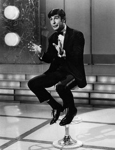 Irish Comedian Dave Allen as the host of a CBS variety program Showtime 1968