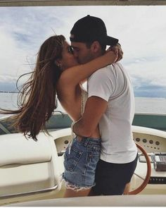 soulmate24.com / A R Y A // elegant romance, cute couple, relationship goals, prom, kiss, love, tumblr, grunge, hipster, aesthetic,…