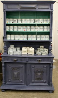 Chalk Paint™ decorative paint by Annie Sloan: Old Violet & Provence