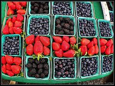 Pacific Palisades farmer's market    http://www.asherworldturns.com/hike-and-farmers-market-part-dos/