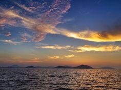 ( Evening Now at Hakata bay in Japan) 11 July 19:33 日の入り後の博多湾です。