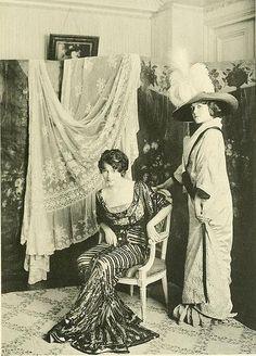 Great source of edwardian era photos.  Les Createurs de La Mode 1910