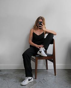 "Brittany Bathgate on Instagram: ""[ad] From big floaty dress, to tailored trousers and vest —— Nike Blazer Mid '77 ✔️ @nikesportswear @liketoknow.it.europe #LTKeurope"" Nike Blazers Outfit, Blazer Outfits, Sporty Outfits, Mom Outfits, Nike Outfits, Casual Fall Outfits, Simple Outfits, Fashion Now, Fashion Outfits"