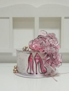High heel cake by - Bday - Cake Design Pretty Cakes, Cute Cakes, Beautiful Cakes, Amazing Cakes, Wedding Cupcakes, Birthday Cupcakes, Bolo Channel, Fondant Cakes, Cupcake Cakes