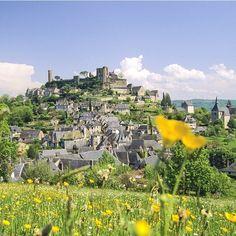 Brive, Turenne , Saint-Robert... Aujourd'hui, on vous emmène dans le Limousin ! Profitez de votre passage dans la région pour venir écouter quelques artistes les pieds dans le sable. Le Brive Festival c'est du 23 juillet au 1 août cc @brivetourisme