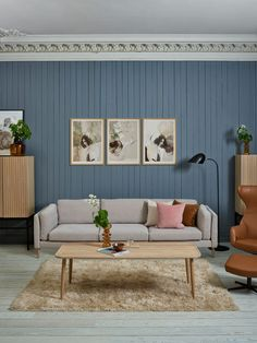 Sofaen kan tilpasses eget ønske, så du kan selv velge stofftype, sofaben og farge på din 3-seter sofa. Decor, Furniture, Sofa, Home Decor, Entryway, Bench, Entryway Bench