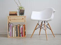 Diy dorm room crafts : DIY  pure + simple side table