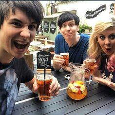 Dans face could look weird but instead it looks really cute