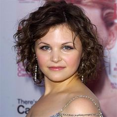 short layered haircut 7 curly haircuts for faces hair cuts curly 9806 | 9806e38aaee0f01cbaf136af92b15cec ginnifer goodwin hair tips