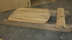 5 Easy Pallet Sled & Toboggan Ideas For Fast Snow Fun! 6 Terrific Pallet Sleds You Can Make Quickly! Fun Pallet Crafts for Kids The post 5 Easy Pallet Sled & Toboggan Ideas For Fast Snow Fun! appeared first on Pallet Ideas. Christmas Sled, Pallet Christmas, Outdoor Christmas, Rustic Christmas, Christmas Projects, Holiday Crafts, Pallet Crafts, Diy Pallet Projects, Wood Crafts