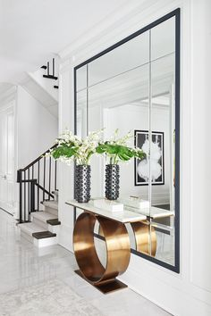 [New] The Best Home Decor (with Pictures) These are the 10 best home decor today. According to home decor experts, the 10 all-time best home decor. Entrance Hall Decor, Entryway Decor, Entrance Halls, Living Room Designs, Living Room Decor, Flur Design, Luxe Decor, Hallway Designs, Hallway Decorating