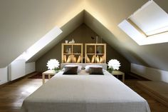 chambre Attic Loft, Loft Room, Bedroom Loft, Attic Conversion, Attic Remodel, Decoration, Interior Design Living Room, Interior Inspiration, House Design