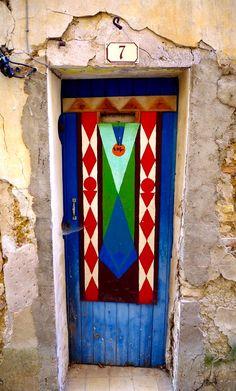 Cool Doors, Unique Doors, Valensole, Outdoor Doors, Heaven's Gate, Door Entryway, Painted Doors, Door Knockers, Beautiful Buildings
