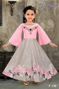 Kids Dress Wear, Girls Dress Up, Gowns For Girls, Frocks For Girls, Dresses Kids Girl, Kids Wear, Party Wear Gowns Online, Formal Dresses Online, Pakistani Fashion Party Wear