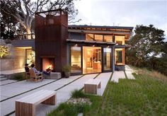 Feldman Architects provides us with inspiration for outside fireplace design ideas with their House Ocho, which has a great outdoor fireplace that is Architecture Antique, Residential Architecture, Modern Architecture, Sustainable Architecture, Installation Architecture, California Architecture, Pavilion Architecture, Commercial Architecture, Beautiful Architecture