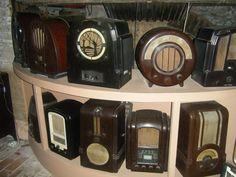 Old Valve radio's Art deco