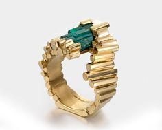 Ornella Iannuzzi 'L'exceptionelle Emeraude' with raw emerald set in gold.