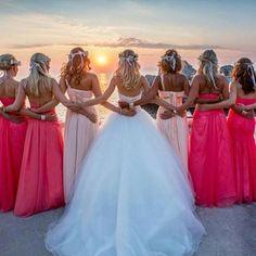 Dołącz do nas i pokaż swoją sukienkę od #zofix Duży wybór wzorów sukienek w wielu odcieniach kolorystycznych www.facebook.com/zofix #weddingdress #bridellook #bride #wedding #weddin...
